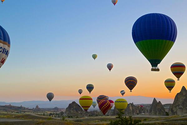 Cappadocia-hot-air-balloons-for-many-images-1024x683