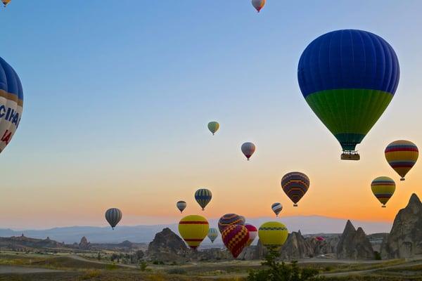 Cappadocia-hot-air-balloons-for-many-images-1024x683